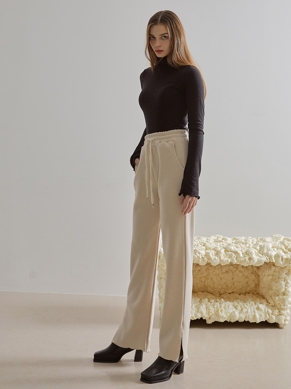 Wool Banding Slit Pants, Cream